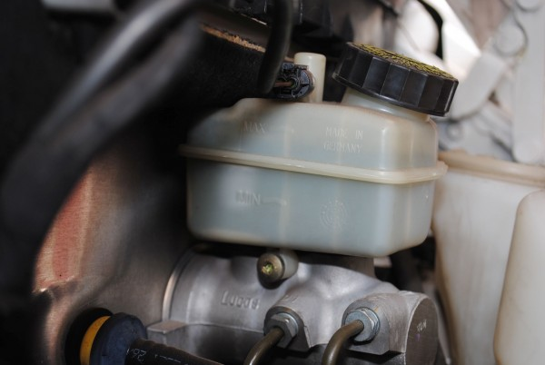 Fluido de freio é higroscópico (34)