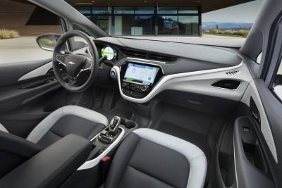 2017-Chevrolet-BoltEV-018 (2250 x 1500)