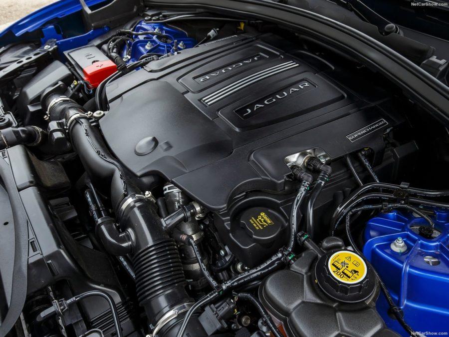 Jaguar-F-Pace_S-2017-1600-a9