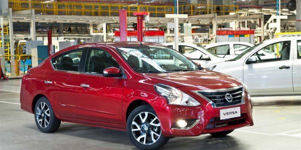 Nissan Versa 1 (1415 x 939)
